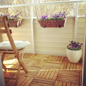 Vår lilla men härliga balkong.